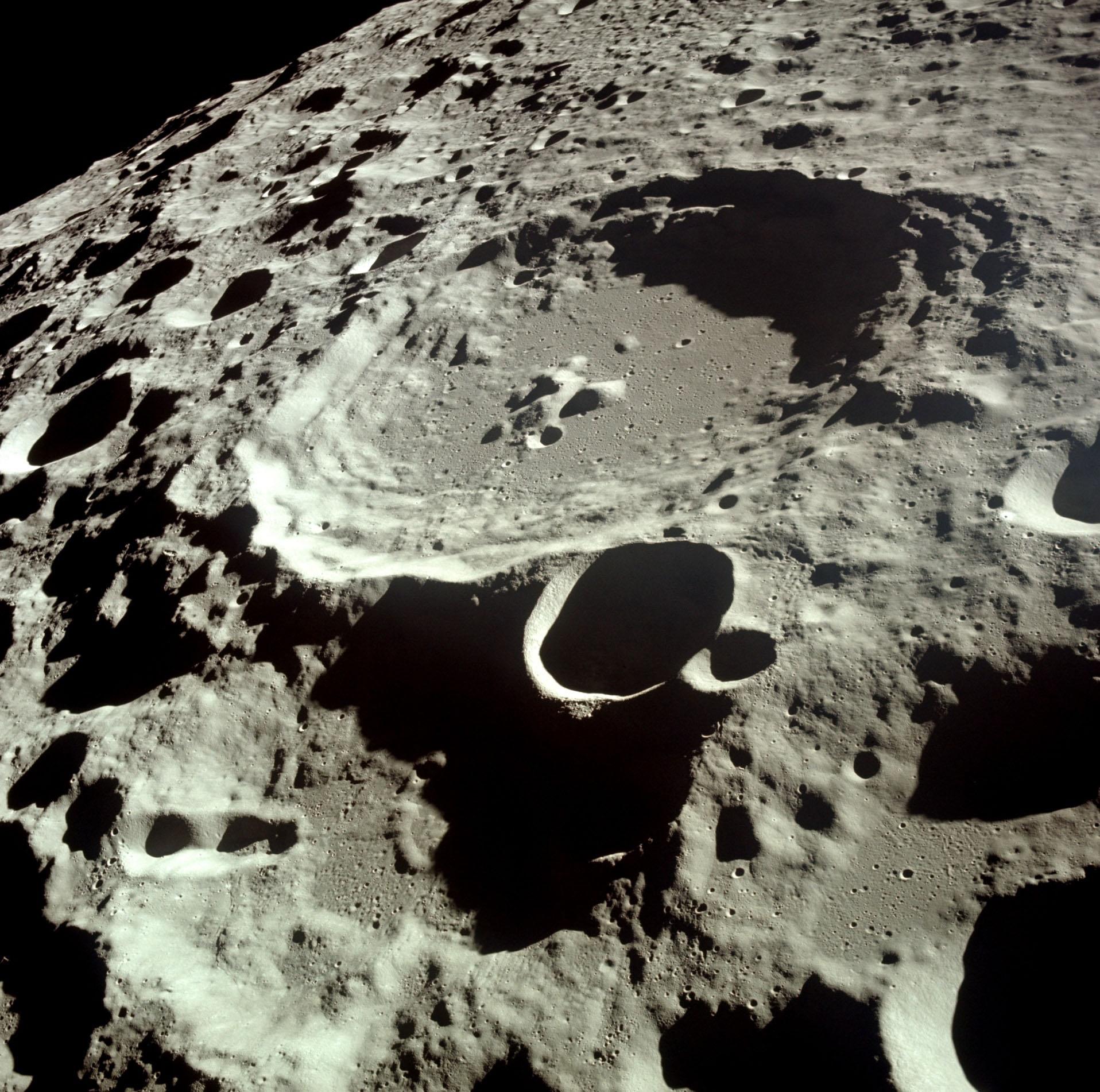 en48-satellites-of-the-terrestrial-planets_07