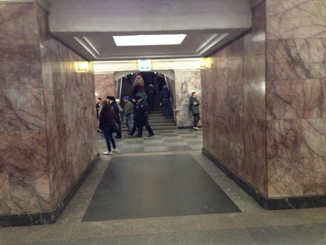 ru72-spontannyj-protest-vzgljad-snizu_23