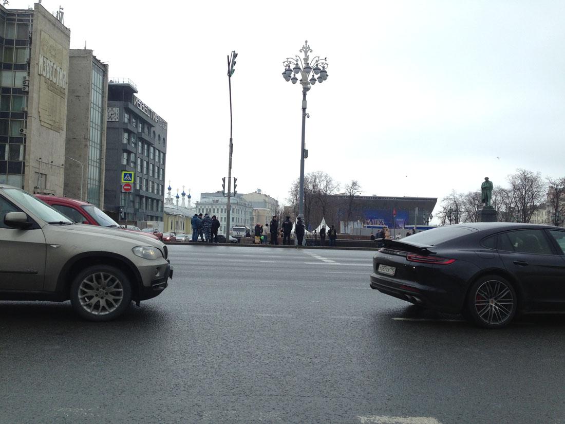 ru72-spontannyj-protest-vzgljad-snizu_26