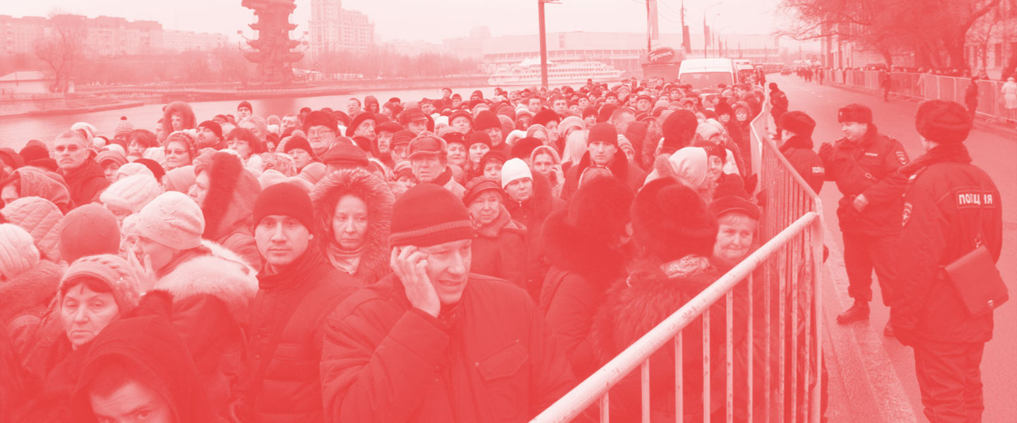 en76-russia-will-always-have-queues_01