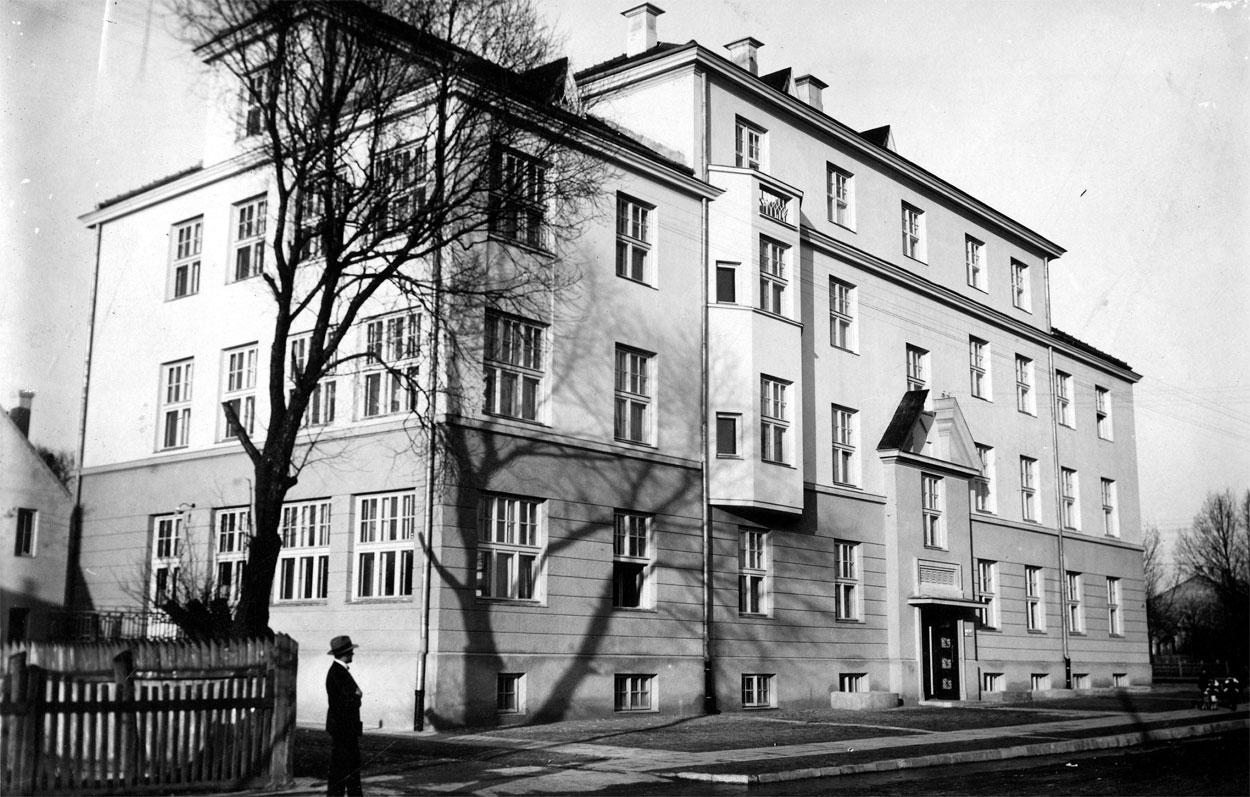 ru87-progulka-po-staromu-brestu-tsentr-krepost-i-mnogo-zaborov_37
